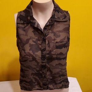 RF mesh sleeveless blouse